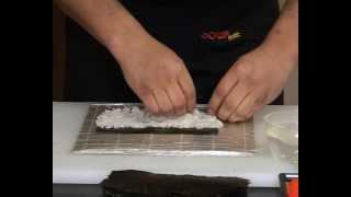 Как приготовить роллы Калифорния(Мастер-класс:Как приготовить роллы Калифорния.Сеть магазинов Суши Шоп., 2012-05-16T10:30:20.000Z)