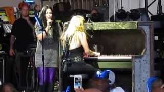 a BEAUTIFUL duet with Lzzy Hale and Amy Lee!!