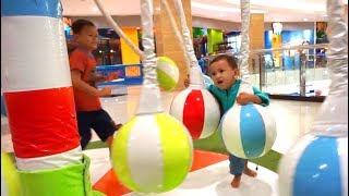 Bermain Komidi Putar Bola | Mainan Anak Indor Playground | Bermain Bola | Praya Brother