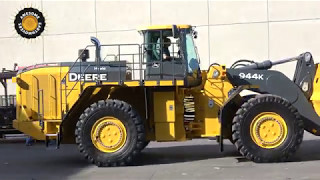 John Deere's biggest wheel loader moving out of Conexpo 2017
