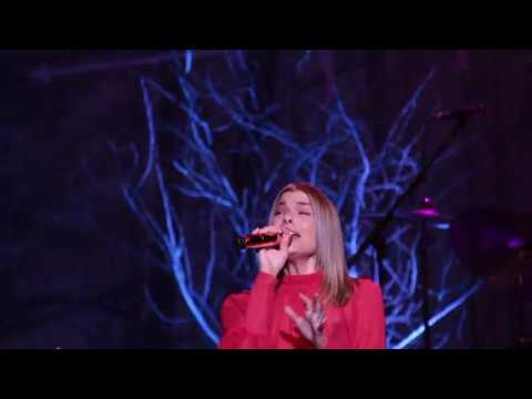 LeAnn Rimes - All I Want For Christmas Is You (Live)