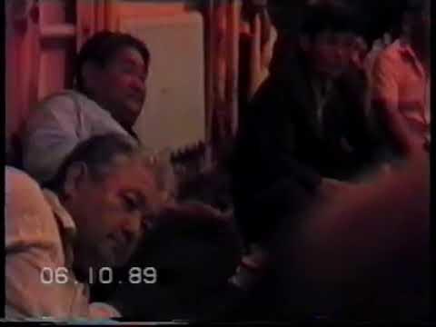 Наурызбек жырау. Өзі жырлап отыр, 1989 ж. / Бесқала қазақтары.