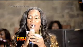 Momma Dee's Tooth Falls Out On Stage!