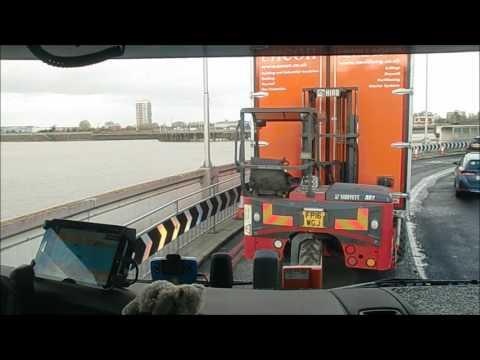 Mit der Woolwich Ferry über die Themse