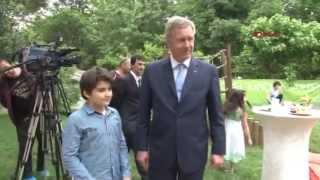 """Wulff: """"Mein Sohn hat eine türkische Flagge im Zimmer hängen"""""""