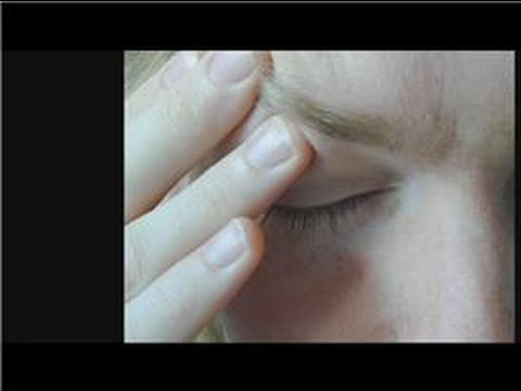 How to Treat Migraines & Head Colds : How to Help a Sinus Headache