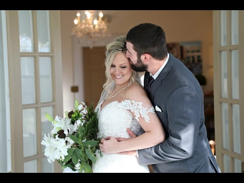 Kaylee & Chris | Lake Stephens Paviliion