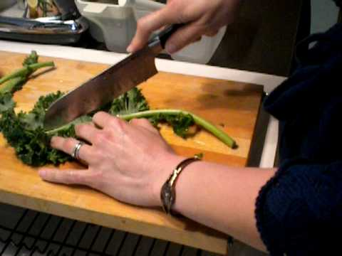 Get To Know Kale- how to wash and cut kale