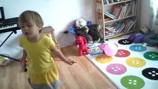 Ника и игрушки. Урок. 2014, апрель