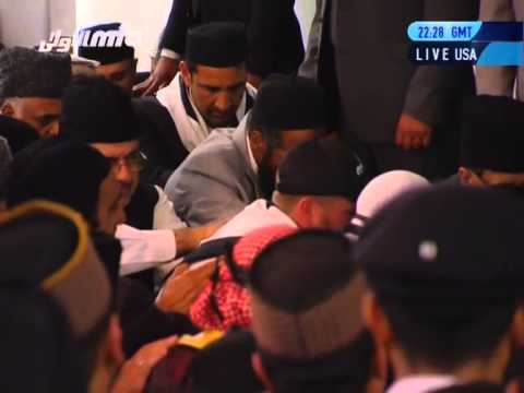 Los Angeles: Americans Accept Islam Ahmadiyyat At The Hands Of World Muslim Leader
