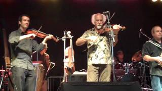 BeauSoleil avec Michael Doucet play Tropical Heatwave