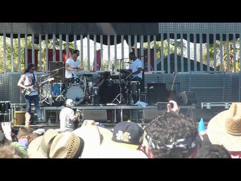 Childish Gambino- Freestyle- Coachella 2012 Weekend 2