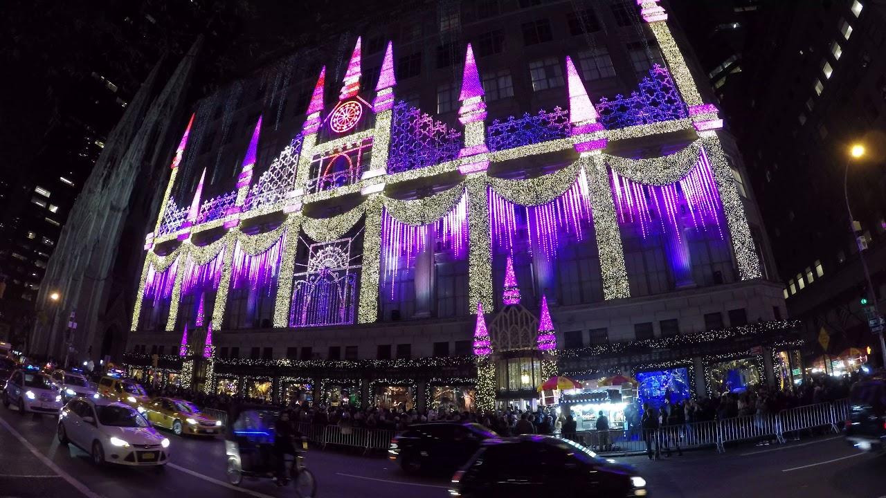Saks Fifth Avenue Christmas Light Show 2021