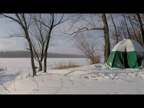 Зимняя рыбалка с ночевкой в палатке.