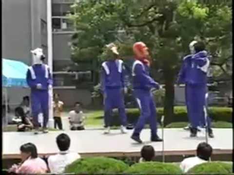 hantu-boyband-:-tarian-doraemon..lol