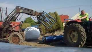 Owijanie lucerny, ursus c360, owijarka rolmako, mtz 82  [HD]