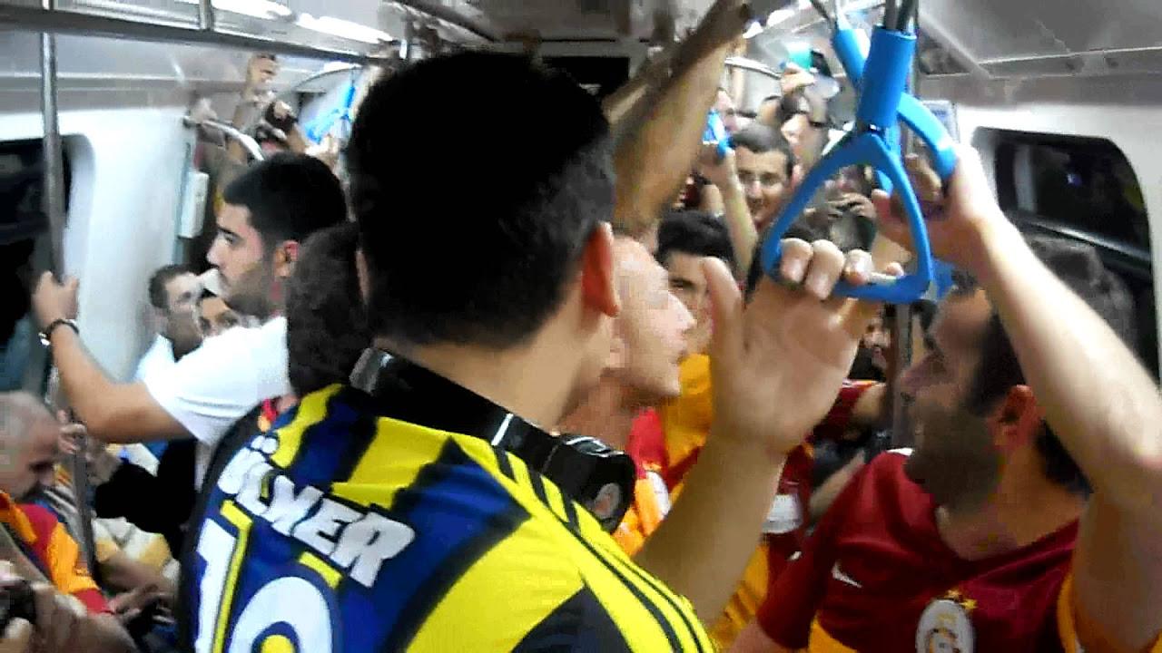 Üst Üst'e Üç tane Üçlü Stamford Bridge'de. Chant Battle Chelsea VS Galatasaray.