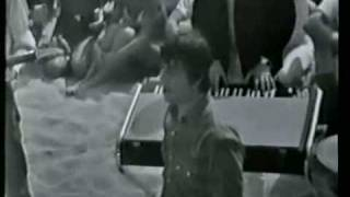 The Animals - We Gotta Get Out Of This Place (clip, US TV, 1965) ♫♥