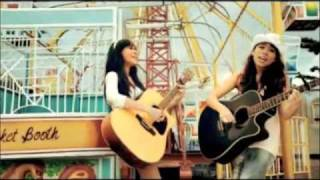Gambar cover Krissy & Ericka - Up Up Down Down