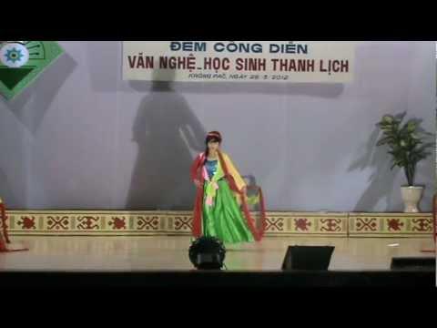 TRUONG THPT NGUYEN BINH KHIEM - KRONG PAC - NHUNG CO GAI LANG DET 10B9.MPG
