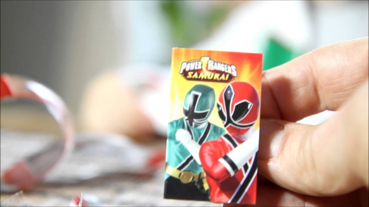 Kinder Egg Vs Kinder Joy Power Rangers Samurai Egg Vs Kinder Joy Egg Youtube