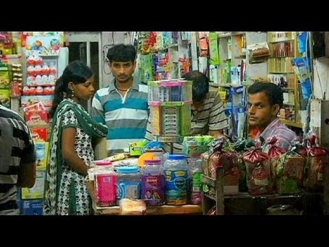 060b360c95 Indian stores fear global behemoths - YouTube