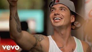 Watch J Balvin Tranquila video