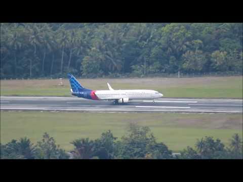 Tiga Pesawat Sriwijaya Air Landing Berurutan Di Bandara Sentani Kota Jayapura Papua