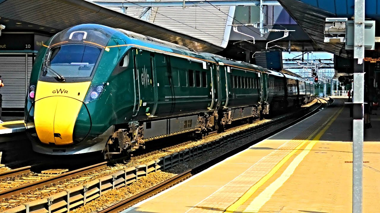Trains at Reading Station   22/07/21