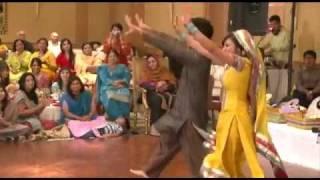 Pakistani Wedding Groom & bride best dance .flv
