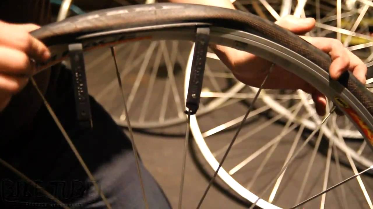 pictures How to Replace a Bicycle Tire