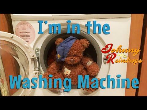 'I'm in the washing machine'. Lyrics video. Sing along!