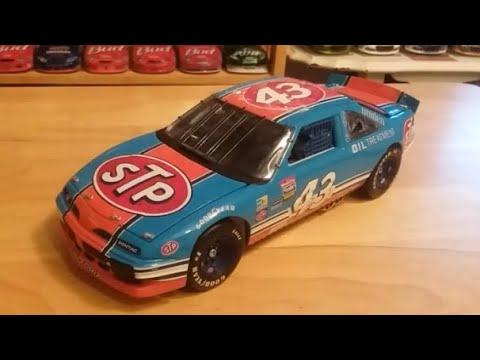 Review: 97 1992 Richard Petty STP Pontiac gran prix Franklin mint 1/24