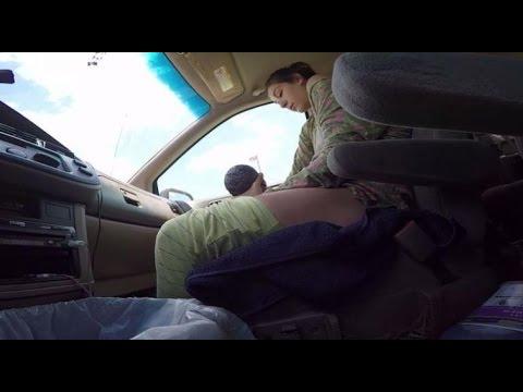 муж раздел жену в машине видео