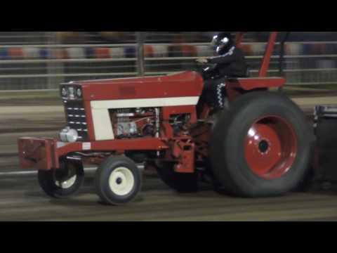 International 966 Pulling Tractor - 10,200 lb. Super Field Tractors - Missouri State Fair 2016