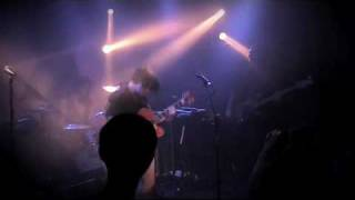 Bertie Blackman - Shout Out (Live at The Toff in Town)