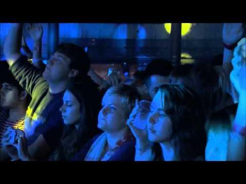 Avicii @ iTunes Festival - Dear Boy [Video Oficial]