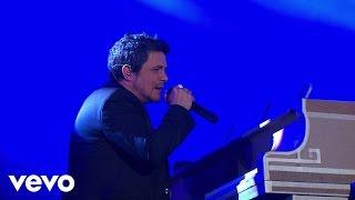 Смотреть клип Alejandro Sanz - Lo Ves / Mientes Ft. Mario Domm, Camila