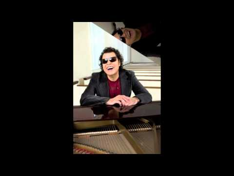 Ronnie Milsap - There's No Gettin Over' Me