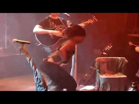 Dobet Gnahore-Danse