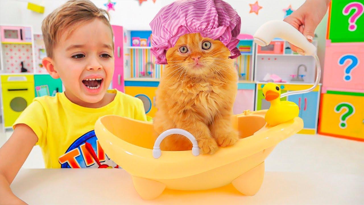 วลาดและนิกิเล่นกับของเล่น - วิดีโอคอลเลกชั่นสำหรับเด็ก