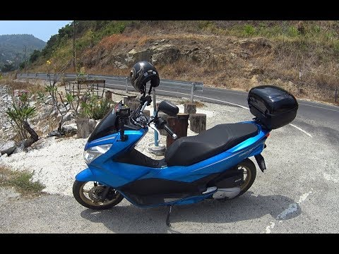 Phuket Thailand should i hire a scooter / motorbike when on holiday in  Thailand