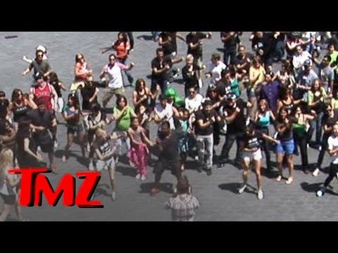 Carlton Dance' Flash Mob!!! -- Alfonso Ribeiro LEADS | TMZ