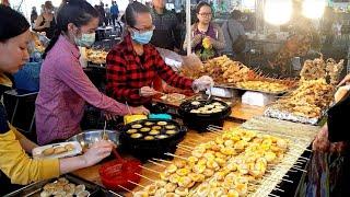 Hai e gái bán bánh trứng cực ngon vui tính trong hội chợ Sài Gòn   saigon travel Guide