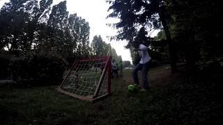 Chêne Pointu Les Cages De Foot Vont Vers La Pelouse