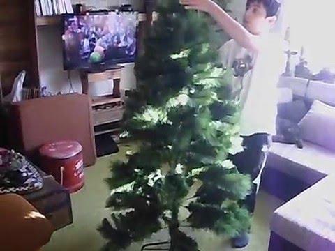Weihnachtsbaum Aufbauen.Weihnachtsbaum Aufbauen Aufbau Künstlicher Weihnachtsbaum Kinderleicht Minutenschnell