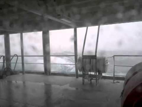 Шторм в Баренцевом море. Storm in Barents Sea.