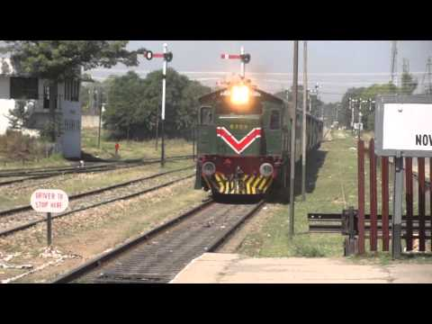 Awam express arrival to nowshera Railway station