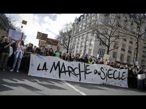 فرنسا: عشرات الآلاف في -مسيرة القرن- ضد تفاقم ظاهرة التغير المناخي  - نشر قبل 53 دقيقة