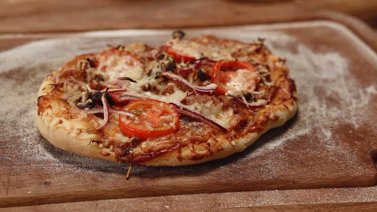 ein pizzastein fuer den grill bbq pizza youtube